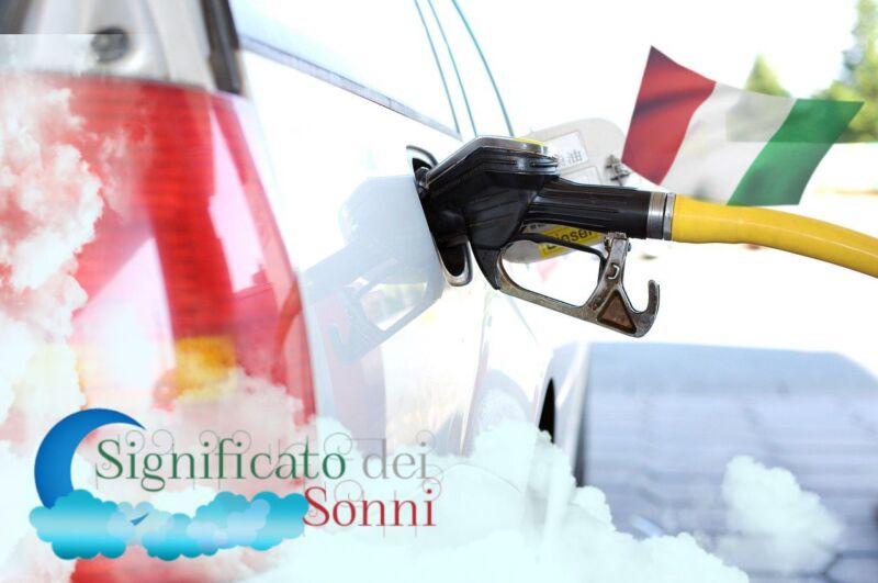 Significato di sognare benzina o carburante